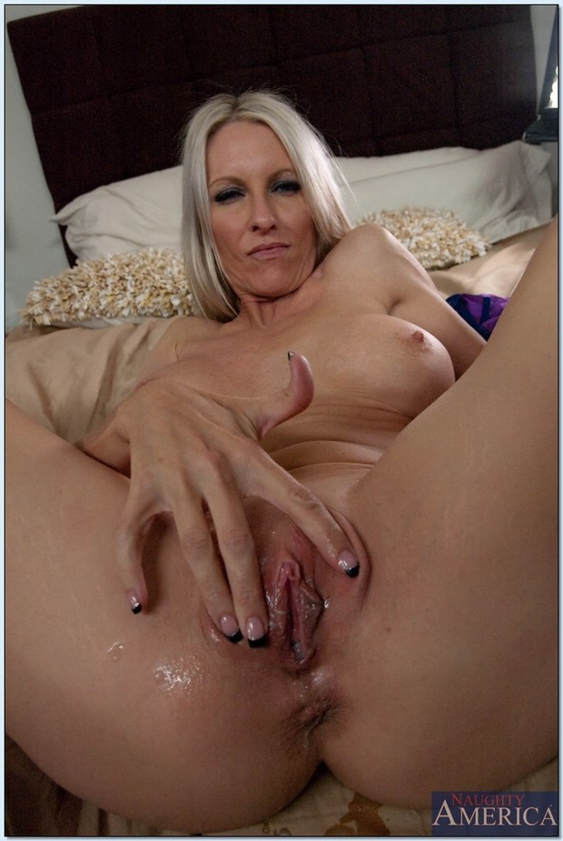 Mature - Tube X Clips - Page 1