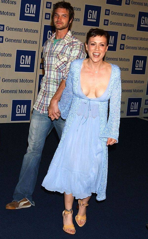 Alyssa Milano nipple slip; Celebrity