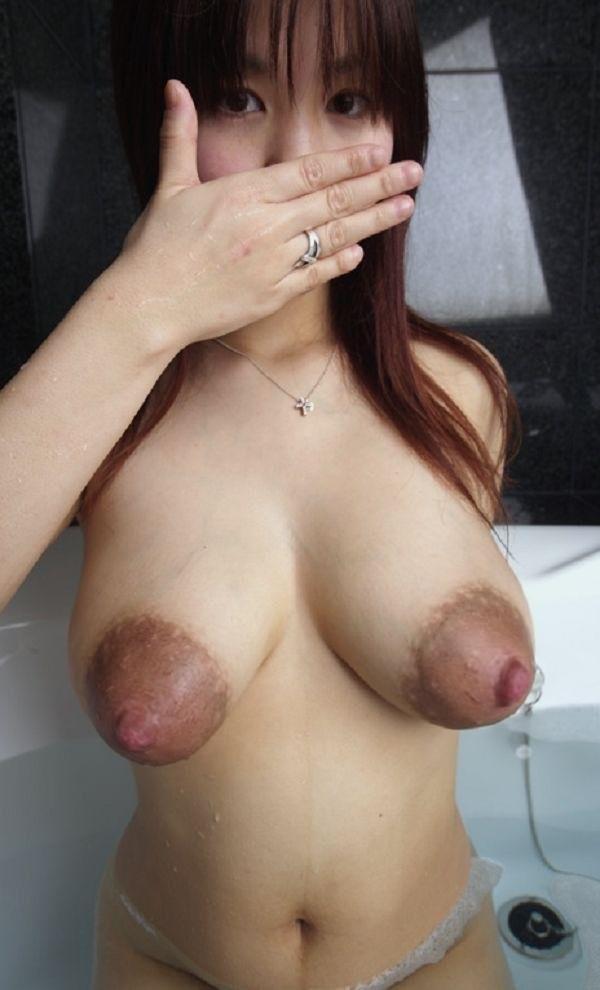 фото голых девушек с острыми сиськами