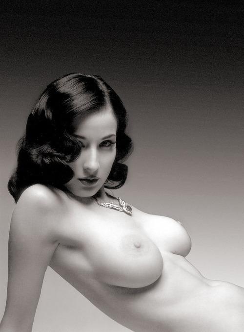 V erotic; Brunette