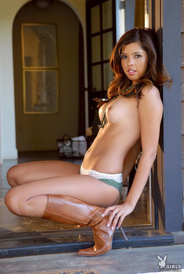 Monica Chairez quiere jugar contigo; Latina
