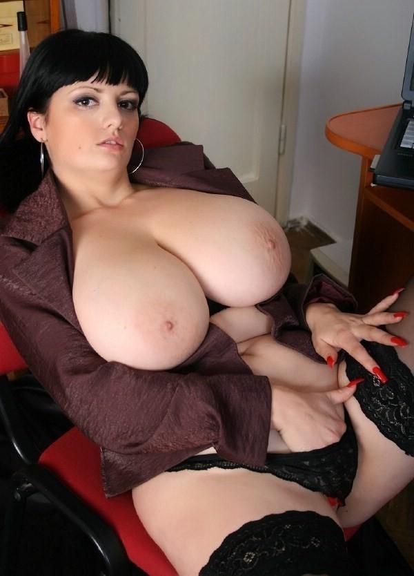Girl Big Boobs Masturbating