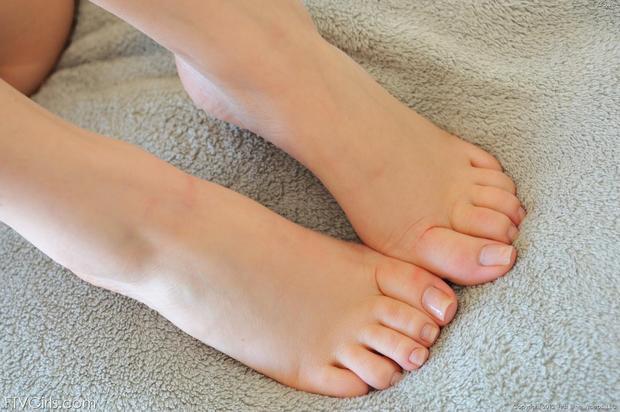 ...; Foot Teen