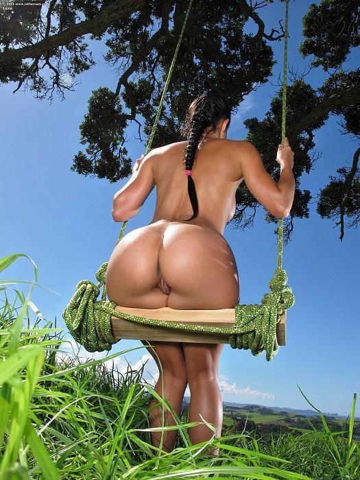фото красивые девушки голые попы