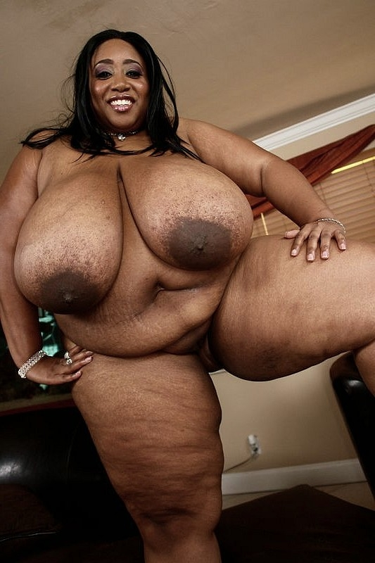 Ebony bbw unbelievably big boobs