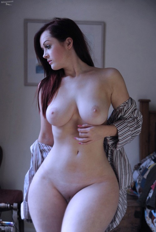 фото голых девушек с тонкой талией
